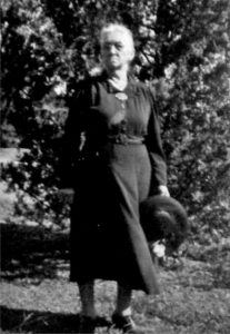Mary Louise Chambers, Ila's mother